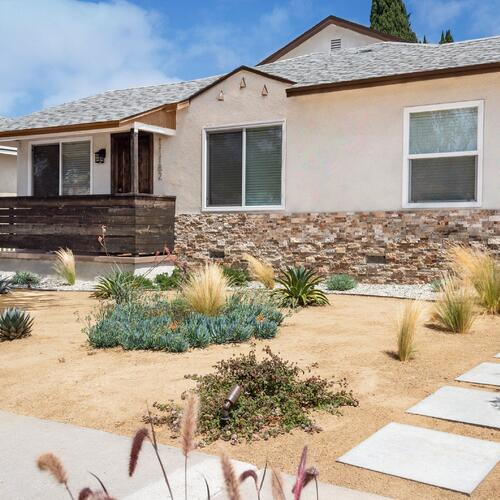 Decomposed Granite Yard with Drought-Tolerant Plants