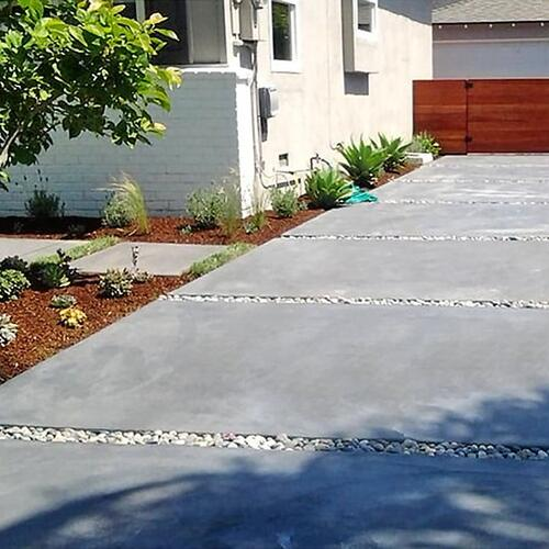 Concrete and gravel Driveway